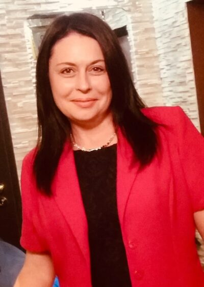 Elena, 47