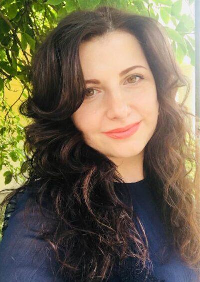 Elena, 39