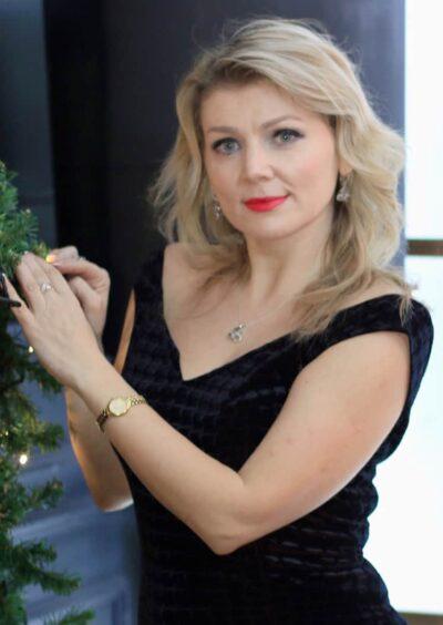 Lilia, 41