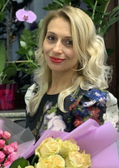 Elena, 38