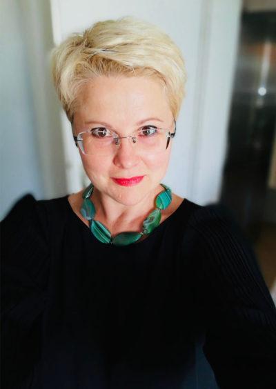 Lena, 47