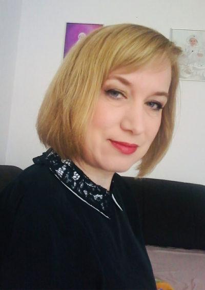 Viktoria, 44